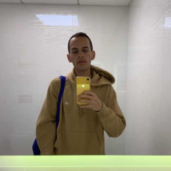 Profile picture of j
