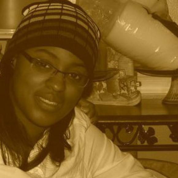 Profile picture of Moni