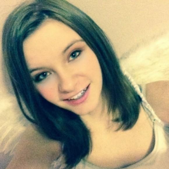 Profile picture of Julie Hanks