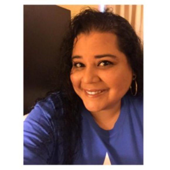 Profile picture of Melanie Espinoza